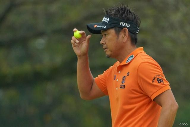 カメラマンは撮影をしているとボールの行方が分からないのですが、藤田さんは黄色いボールなのでどこにあるかすぐに分かるので本当に助かります。