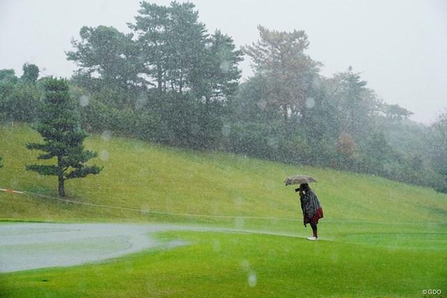2019年 スタンレーレディスゴルフトーナメント 初日 カメラマン プロ根性