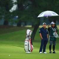 この雨が哀愁を漂わせる 2019年 日本オープンゴルフ選手権競技 2日目 今平周吾