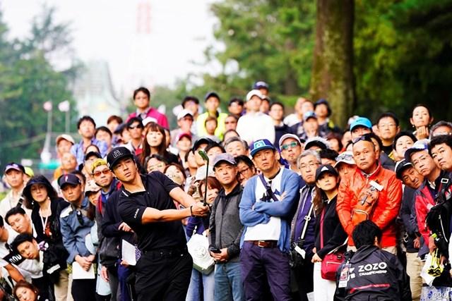 石川遼の組にもたくさんのギャラリーがついた