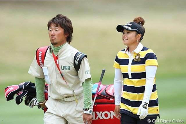 2010年 ヨコハマタイヤゴルフトーナメントPRGRレディスカップ2日目 青山加織 今日は頭の上のモリがうまくまとまってご機嫌でしゅ