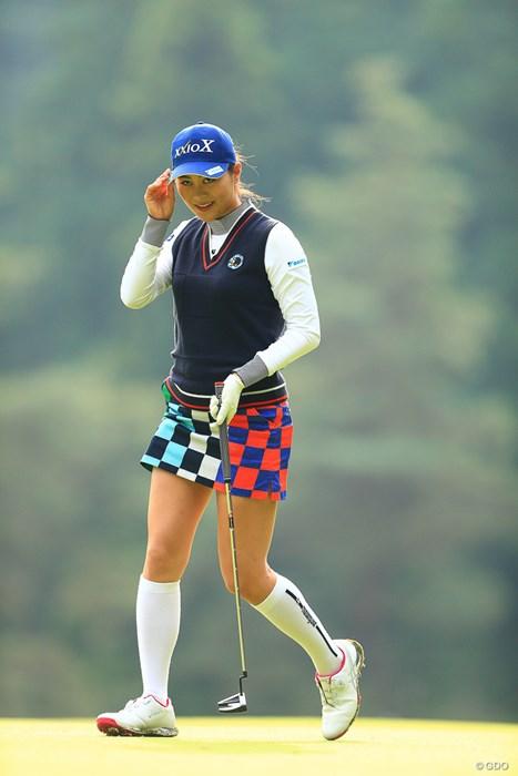 ミニスカート素敵 2019年 樋口久子 三菱電機レディスゴルフトーナメント 最終日 新垣比菜