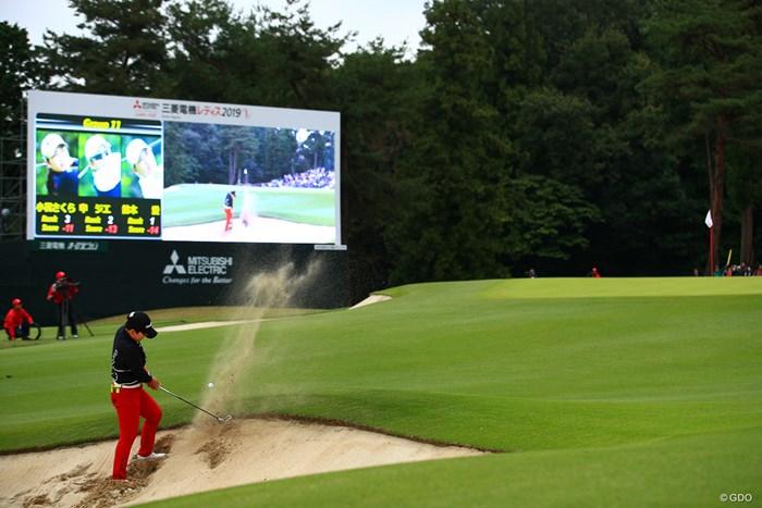 申ジエは最終18番バンカーから1打で出せず 2019年 樋口久子 三菱電機レディスゴルフトーナメント 最終日 申ジエ