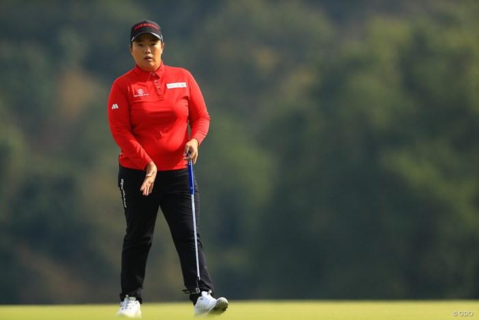 赤×白は多いが、赤×黒は本人も「珍しい」 2019年 樋口久子 三菱電機レディスゴルフトーナメント 最終日 アン・ソンジュ