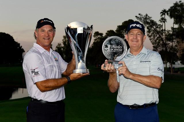初じめて賞金王を戴冠したスコット・マッキャロン(左)と最終戦を制したジェフ・マガート(Tracy Wilcox/GettyImages)