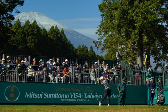1番ティも木を切って富士山が見えるようになったんだ。