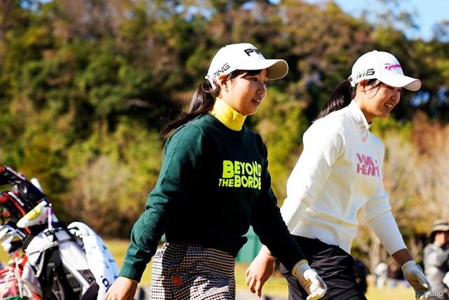 アマチュアの六車日那乃(左)と吉澤柚月は決勝へ進んだ
