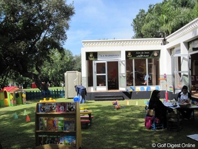 2010ハッサンIIゴルフトロフィー トーナメント会場には託児所まで完備されています。プロアマ出場の家族向けか