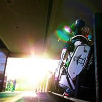 休息の時 2019年 伊藤園レディスゴルフトーナメント 最終日 キャディバッグ