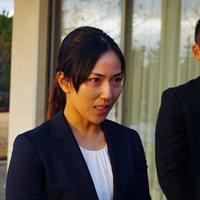 公の場で涙ながらに謝罪した笠りつ子(左) 2019年 大王製紙エリエールレディスオープン 事前 笠りつ子