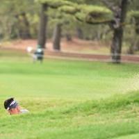 前日と変わってサラサラの砂 2019年 ダンロップフェニックストーナメント 3日目 池田勇太