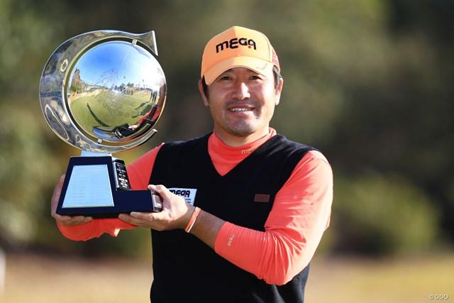 2018年 カシオワールドオープンゴルフトーナメント 最終日 チェ・ホソン 前年大会はチェ・ホソンが5季ぶりの勝利を挙げた