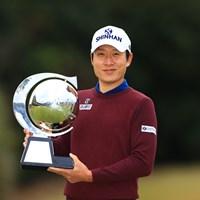 3年ぶりとなるツアー優勝を飾ったキム・キョンテ 2019年 カシオワールドオープンゴルフトーナメント 最終日 キム・キョンテ