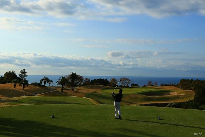 Hole11 par3  tee shot 2019年 カシオワールドオープンゴルフトーナメント 最終日 片岡大育