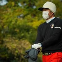 ゴルフクラブを持ってないと、もはや職業不明な虎さん。 2019年 ゴルフ日本シリーズJTカップ 2日目 チェ・ホソン