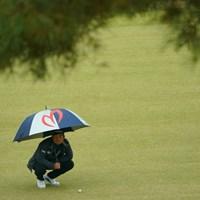 1番スタートホールでいきなり左の崖下へ。 2019年 ゴルフ日本シリーズJTカップ 3日目 池田勇太