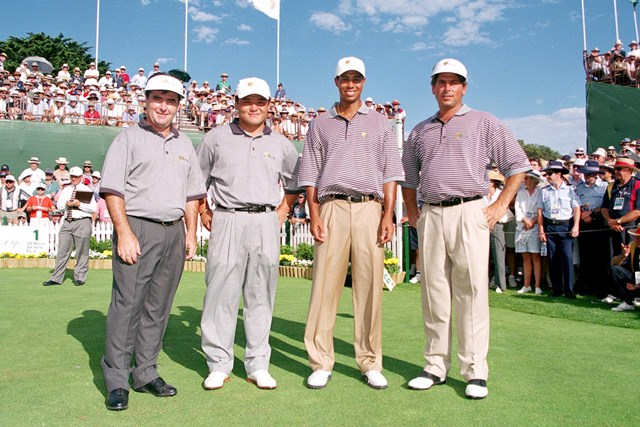 1998年 プレジデンツカップ クレイグ・パリー、丸山茂樹、タイガー・ウッズ、フレッド・カプルス ロイヤルメルボルン開催の1998年大会で丸山茂樹はMVPに輝いた(Stan Badz/Getty Images)