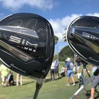 テーラーメイドの新ドライバー。SIM(右)のソールには可変ウェート 2020年 ソニーオープンinハワイ 事前 SIM MAX SIM