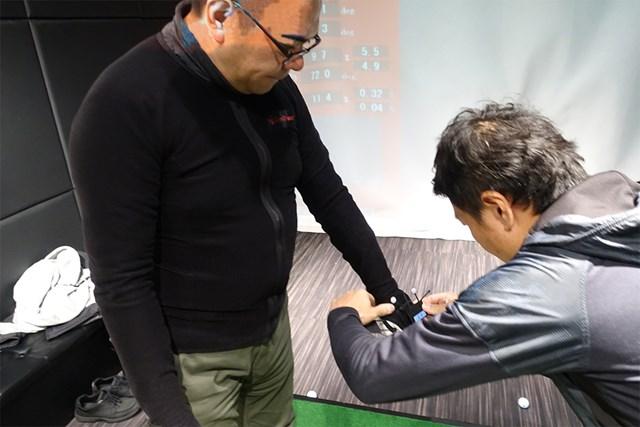 センサーを装着してモーションキャプチャーで体の動きを計測