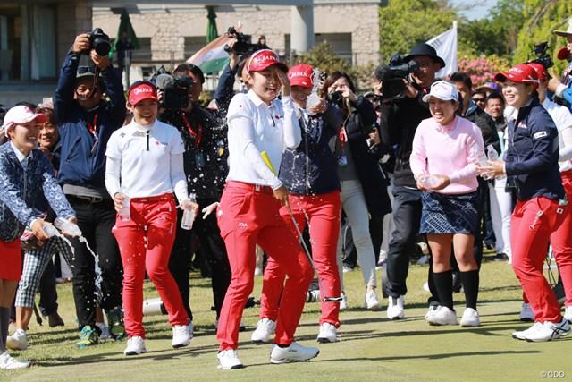 2019年 アジアパシフィック女子アマチュアゴルフ選手権 最終日 安田祐香 昨年大会は安田祐香が優勝、仲間に祝福を受けた