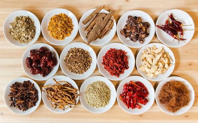 2020年プラス1 冷えに効く身体を温める食材とは 生薬