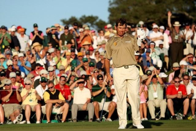 2010年 マスターズ 3日目 リー・ウェストウッド 世界ランキング1位にも上り詰めた2010年。「マスターズ」ではフィル・ミケルソンに3打及ばず2位だった(Andrew Redington/Getty Images)