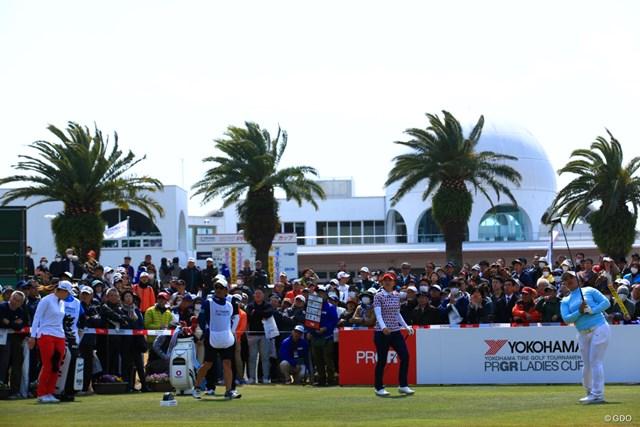 2019年 ヨコハマタイヤゴルフトーナメント PRGRレディスカップ 最終日 鈴木愛 白熱の優勝争いを間近で見られるのはいつになるか※写真は2019年「ヨコハマタイヤゴルフトーナメント PRGRレディスカップ」最終日
