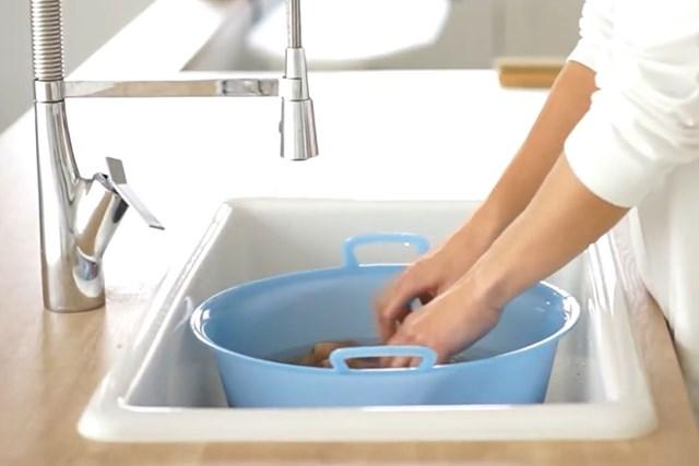 洗濯王子が解説!ウール・カシミアを長持ちさせるには?【ニット編 】 大事なニットはしっかりケアして、長持ちさせよう※画像提供:芳洗舎