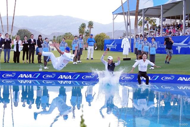 昨年はコ・ジンヨンが恒例の優勝者ダイブを披露したANAインスピレーション