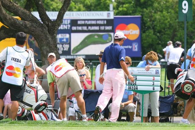 2010年 アーノルド・パーマーインビテーショナル2日目 池田勇太 予選2ラウンドを終えた池田勇太。J.P.へイズのキャディの踵にひっかかり、危うく転倒するところだった!