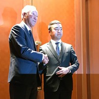 JGTOの定時社員総会に出席した青木功会長(左)と時松隆光 2020年 青木功 時松隆光