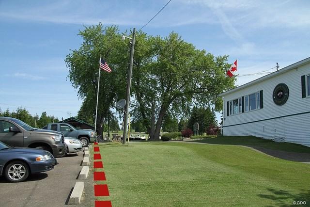 赤線(画像処理しています)の左側は米国、右側はカナダ