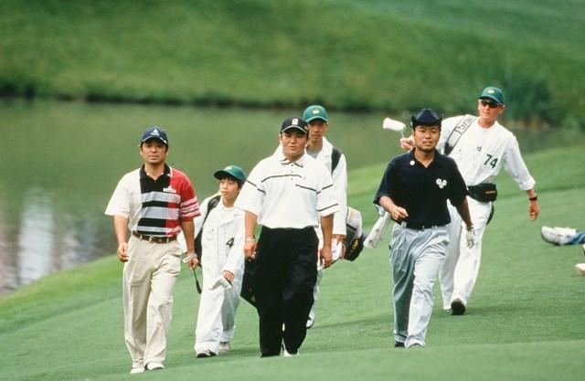 2001年 マスターズ 伊澤利光 丸山茂樹 片山晋呉 マスターズ4位の伊澤利光(左)と片山晋呉(右)だけでなく、丸山茂樹も大舞台で存在感を示した(Augusta National/Getty Images)