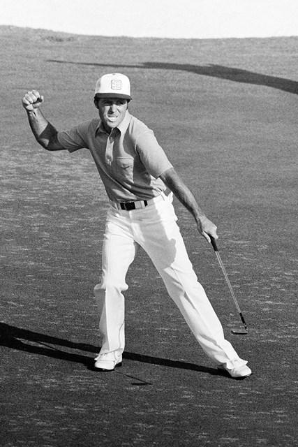 1978年 マスターズ 最終日 ゲーリー・プレーヤー 1978年の最終日に最終ホールでバーディを決めて「64」をマークしたゲーリー・プレーヤー。後続を1打差で振り切った(Peter Dazeley/Getty Images)