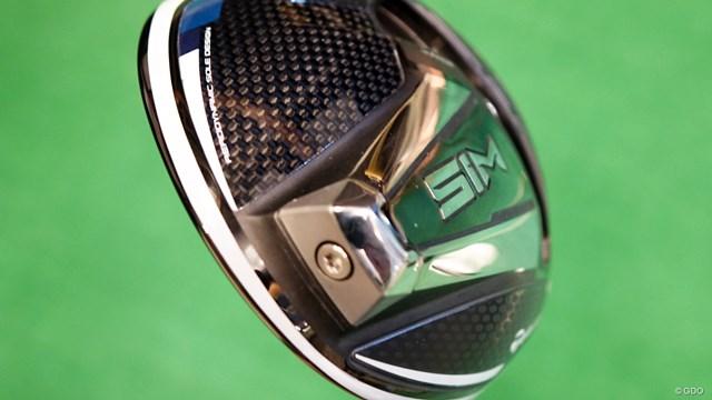 SIM ドライバーを筒康博が試打「『M5/M6』より打感が向上」 空気抵抗を考慮した形状の「イナーシャ ジェネレーター」