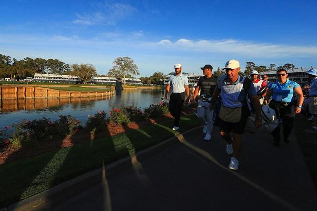 2020年 チャールズ・シュワブチャレンジ 事前 ダスティン・ジョンソン PGAツアーは再開に向けガイドラインを選手らに送った(※写真は20年ザ・プレーヤーズ選手権/ Mike EhrmannGetty Images)