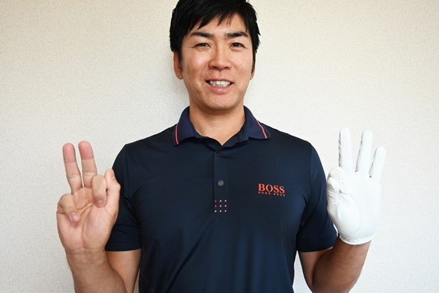 意識する指は5本。右利きの人の場合(※左打ちの人は逆)