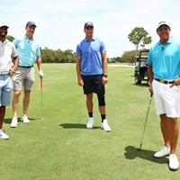 (左から)ウッズ、マニング、ブレイディ、ミケルソン(Mike Ehrmann/Getty Images for The Match) ウッズVSミケルソン