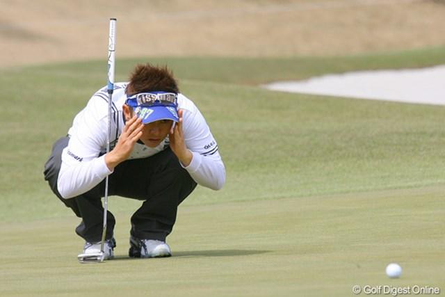 2010年 ヤマハレディースオープン葛城 2日目 天沼知恵子 天沼知恵子が首位タイで最終日へ。4年も遠ざかっている優勝のチャンス到来!