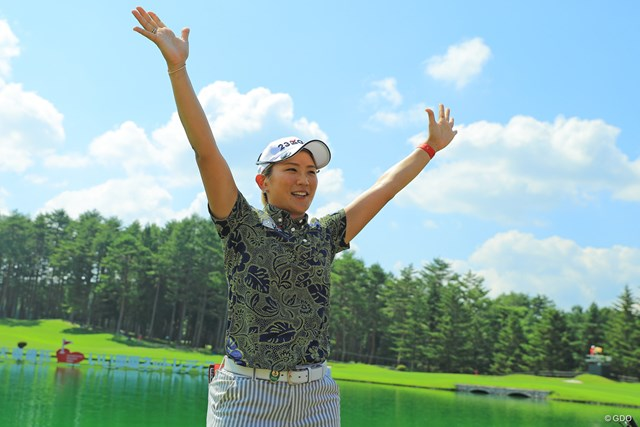 前年大会は成田美寿々が制した