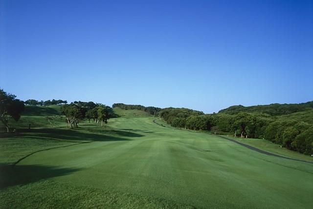 ゴルフ場 休止していたゴルフ場も営業を再開(写真はイメージです)