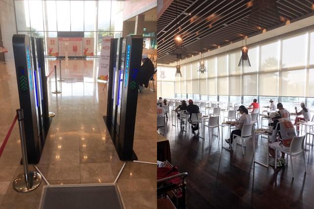 クラブハウス入り口にあるサーモグラフィー(左)とレストランの様子(右)(提供:橋本道七三)
