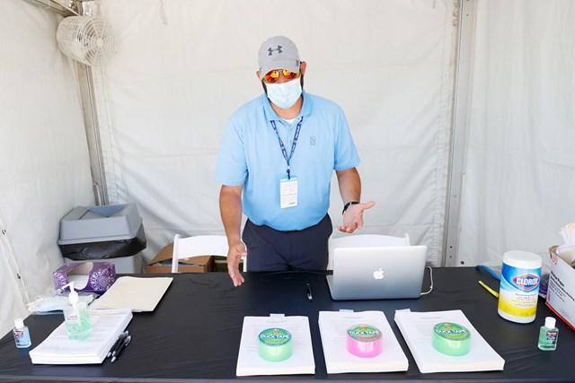 2020年 チャールズ・シュワブチャレンジ 事前 会場内での検査 選手・関係者は会場内でPCR検査のほか、日々の検温と問診が義務付けられる(Tom Pennington/Getty Images)