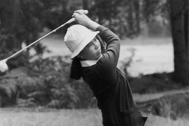 日本人女性ゴルファーとして歴史に名を残した樋口久子(※写真は1976年 GettyImages)