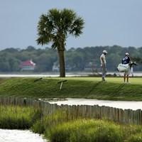 大西洋に面したグリーン。海風を遮るものが何もない(Tyler Lecka/Getty Images) 2020年 RBCヘリテージ 事前 ダスティン・ジョンソン