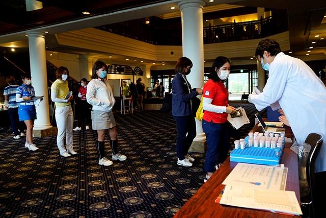 2020年 アース・モンダミンカップ 事前 PCR検査 選手、関係者は23日に会場内でPCR検査を受けた(Getty Images/JLPGA提供)