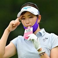 ミズノマスクをつけてゴルフ(Getty Images/JLPGA提供) 2020年 アース・モンダミンカップ 初日 原英莉花