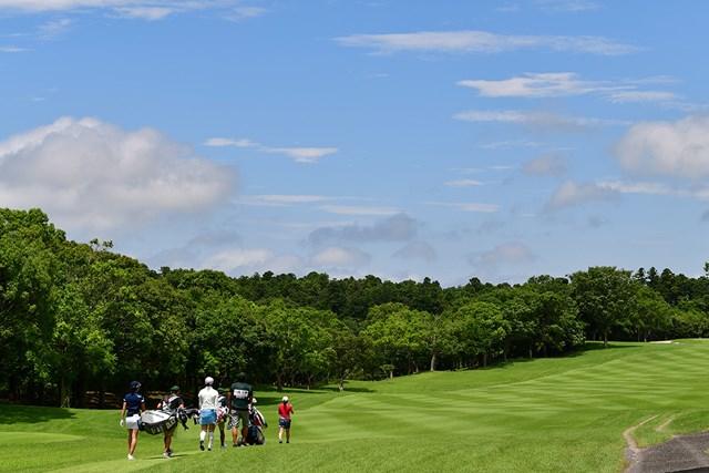 青空 大会2日目のような青空は広がるか(Getty Images/JLPGA提供)
