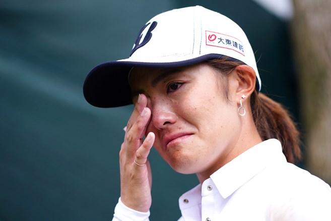 渡邉彩香が開幕戦で5年ぶり復活優勝 「長く苦しかった」と涙