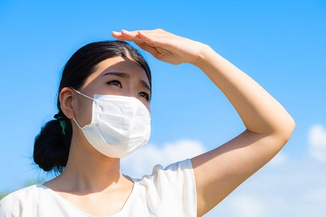 暑い時期のマスクには要注意です(提供:写真AC、クリエイター:熊澤充さん)